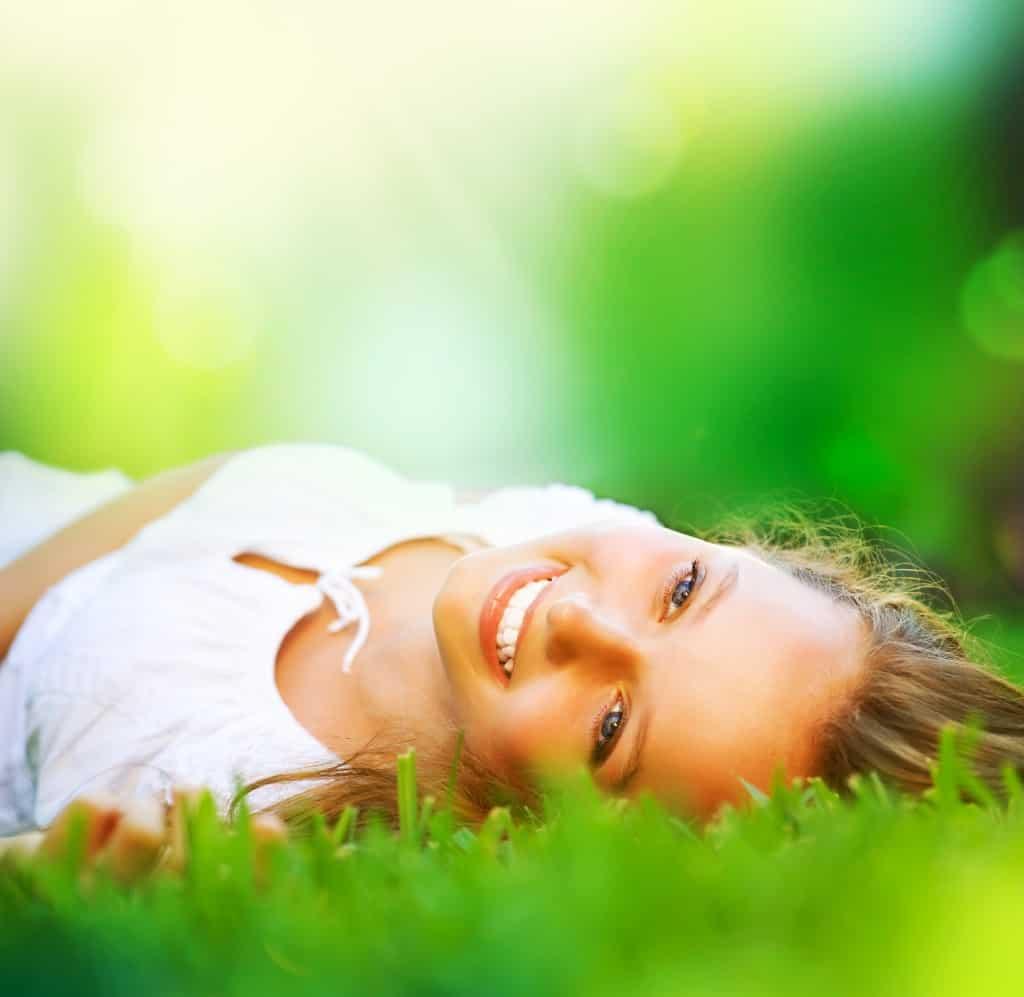 http://www.aloeverahq.com/wp-content/uploads/2013/05/Benefits-of-Aloe-Vera-1024x997.jpg